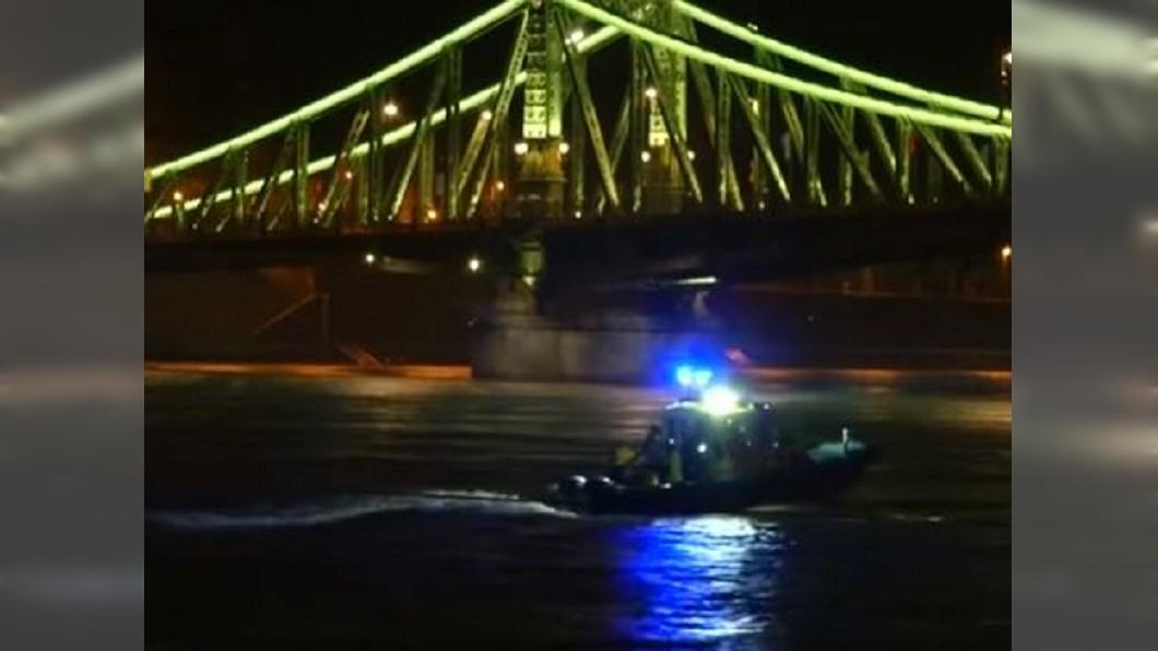 圖/翻攝自연합뉴스 Yonhapnews YouTube 撞擊最新畫面曝光 韓觀光船遭追撞7秒內沉沒