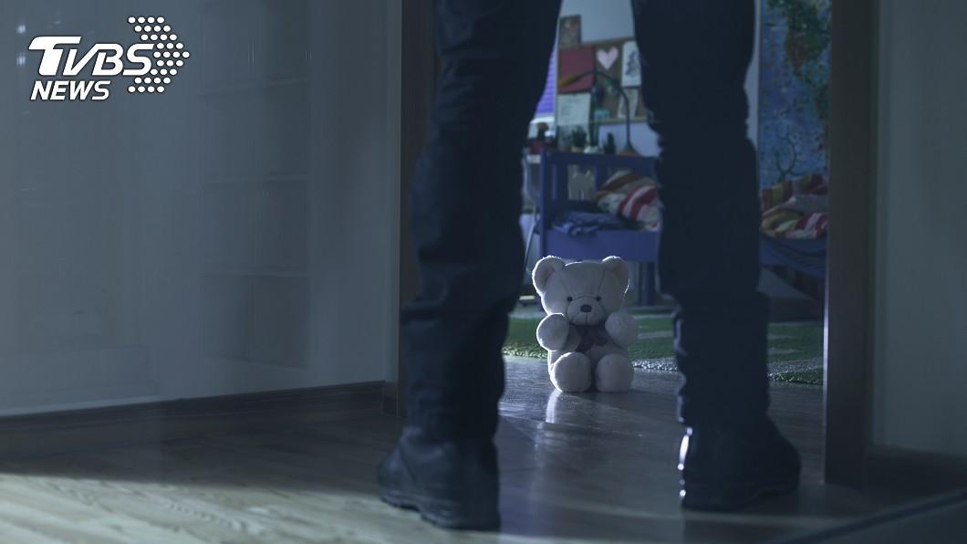示意圖/TVBS 保母夥男友虐死1歲童 「殘忍對話」曝:今天怎麼玩他?