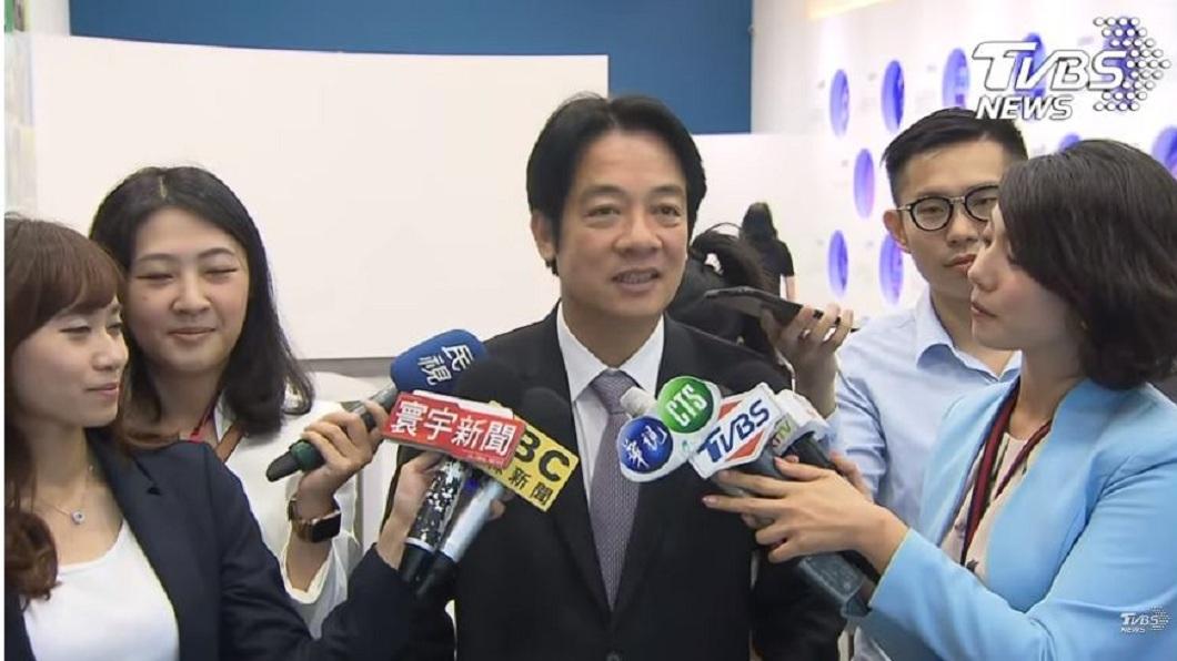 前行政院長賴清德3日下午前往TVBS接受政論節目《少康戰情室》主持人趙少康專訪。(圖/TVBS) 左批韓國瑜右打柯P 賴清德:台灣別成為第2個香港