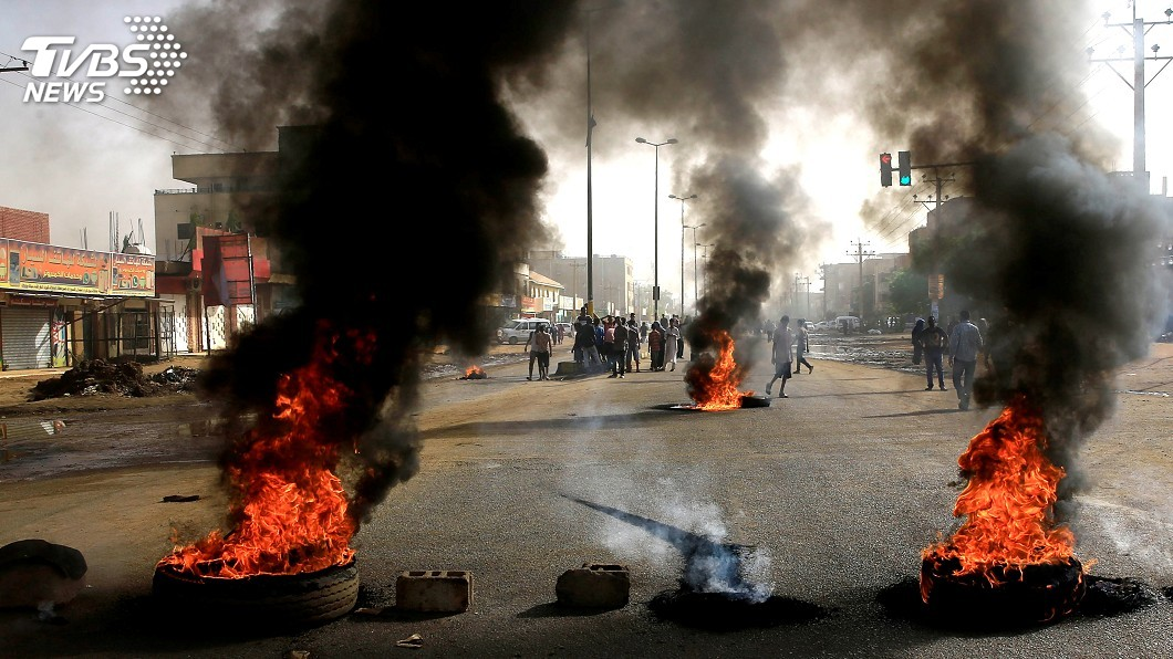 圖/達志影像路透社 蘇丹軍委會武力驅離示威群眾 至少2死