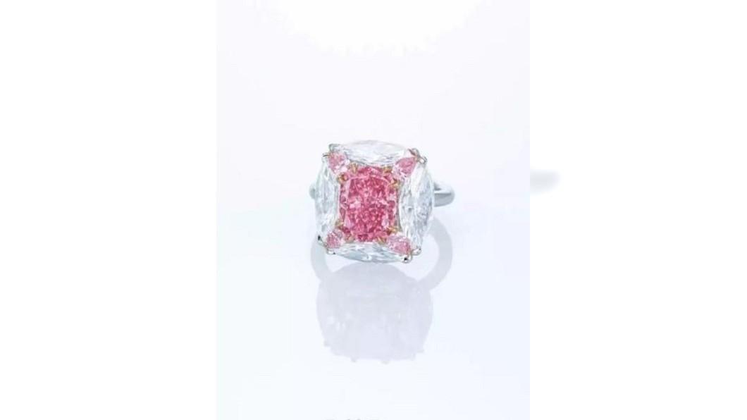 圖/轉攝自羅博報告微博 高報酬投資品 罕見粉紅鑽石成拍賣市場新歡