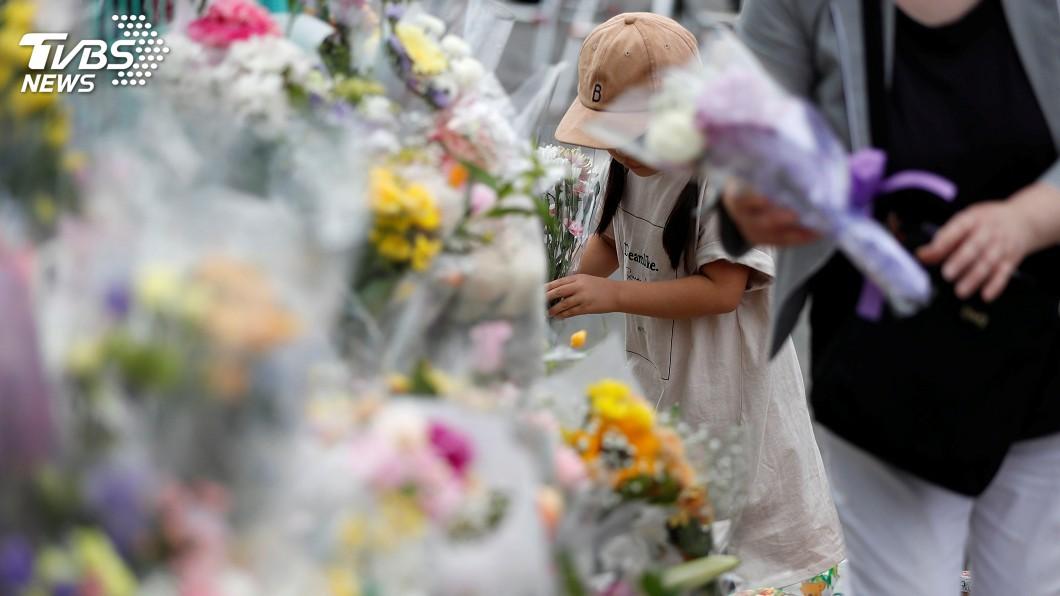 圖/達志影像路透社 日川崎殺人案屆滿一週 獻花人潮至今未中斷