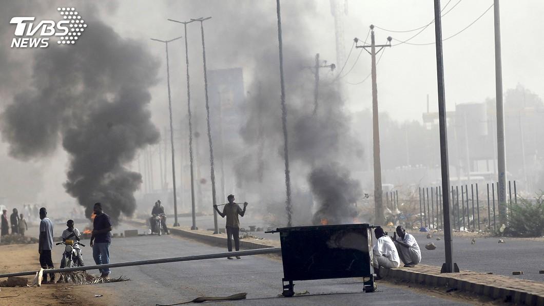 圖/達志影像路透社 血腥鎮壓釀35死數百傷 蘇丹軍方宣布9個月內大選