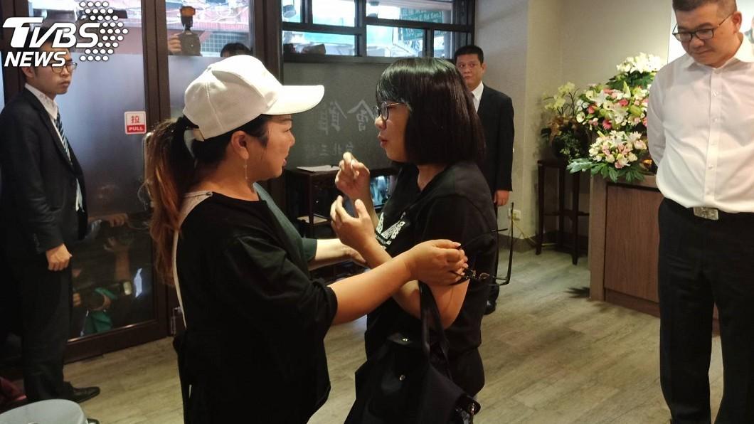 圖/TVBS 「好想爸爸!」賀一航遺孀崩潰難眠:怎樣可以不想他