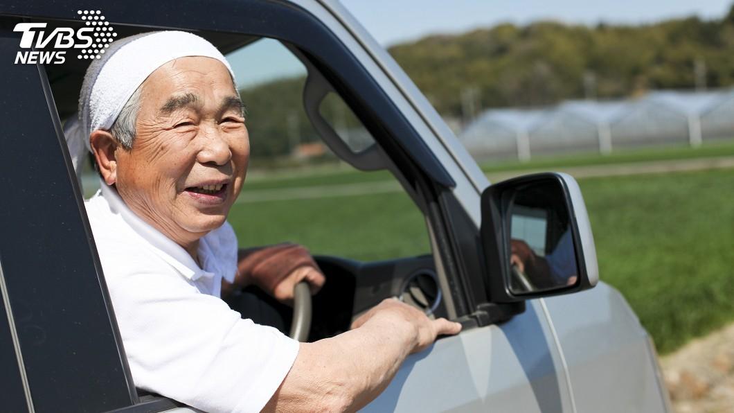 示意圖/TVBS 日老人駕駛事故多 東京都出錢幫裝安全防暴衝