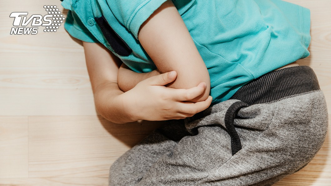 示意圖/TVBS 2歲童連吐3大袋鮮血 媽嚇壞病因是這個