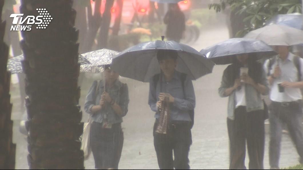 圖/TVBS 颱風玲玲外圍環流影響 18縣市大雨豪雨特報