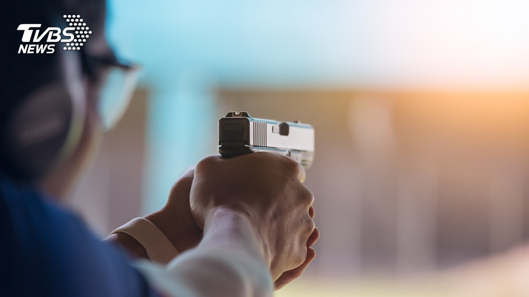 示意圖/TVBS 美洛杉磯嫌犯持槍與警對峙 華裔社區變戰場