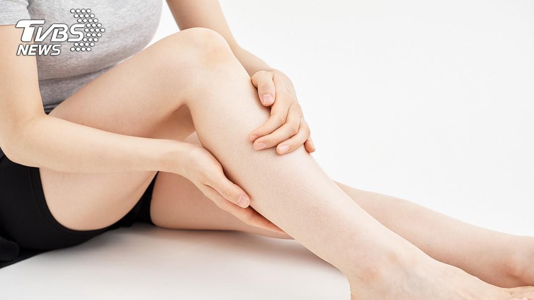 示意圖/TVBS 腿抽筋1年不理 就醫「左腦一片黑」…醫嘆:晚了5小時