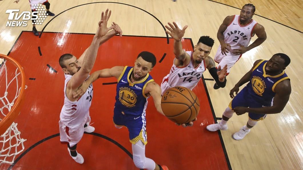 圖/達志影像美聯社 NBA勇士1分力克暴龍 爭冠保住一線生機