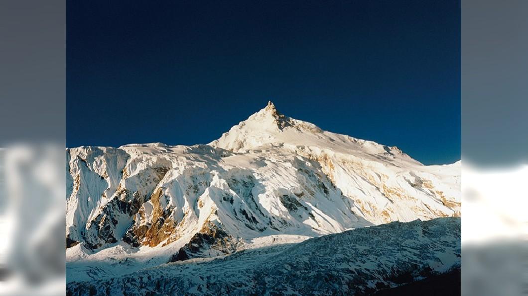 石川直樹所拍攝喜馬拉雅山脈中段的馬納斯盧峰(Manaslu)。圖/翻攝straightree.com