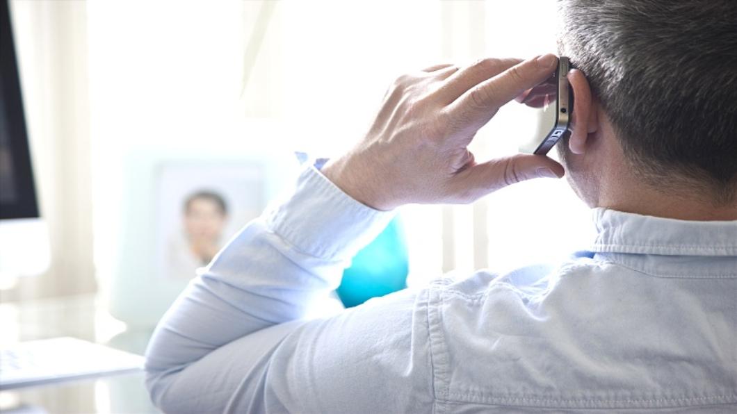 因公打手機罹腦瘤 賠!南韓史上首認定職災