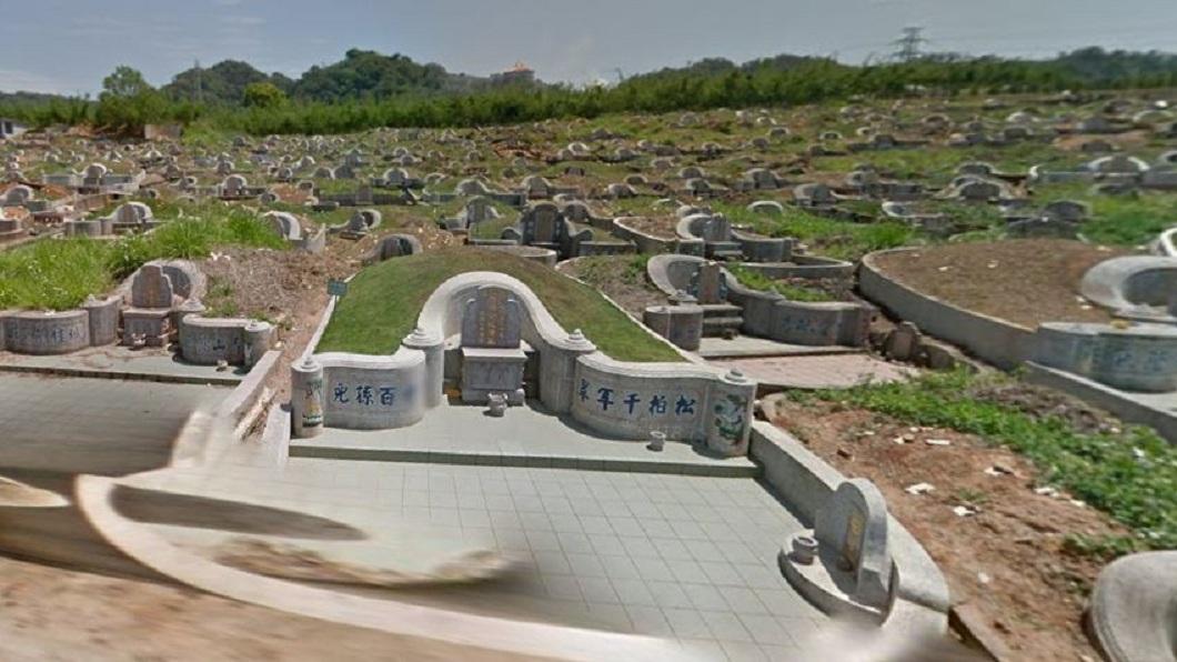 目前有大約3千具的無名屍還未確認身分,只能先安葬在公墓內。(示意圖/翻攝自Google Map) 25年孤零女屍無人問 檢開棺驗屍助她返家團聚