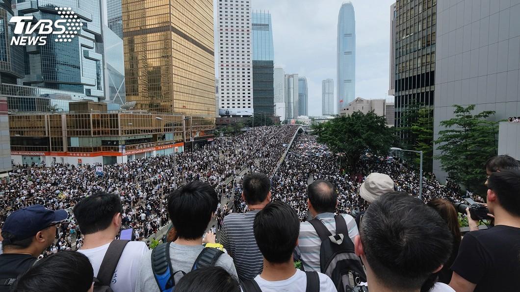 圖/中央社 紐時:反送中轉向爭民主 港人多年憤怒一次宣洩