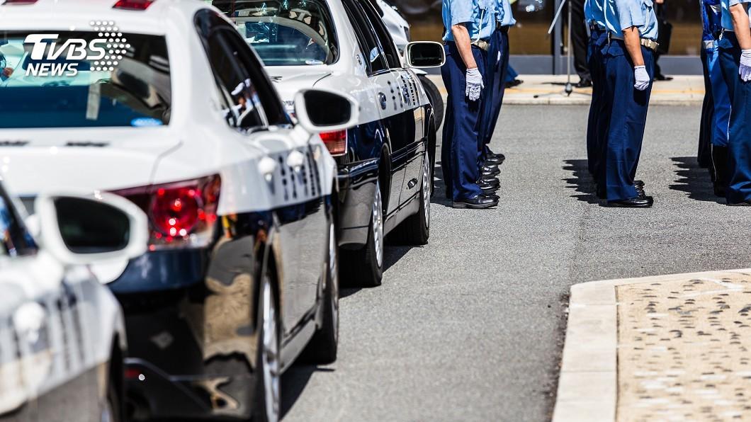示意圖/TVBS 大阪男持菜刀砍警察 搶走內有5發子彈配槍