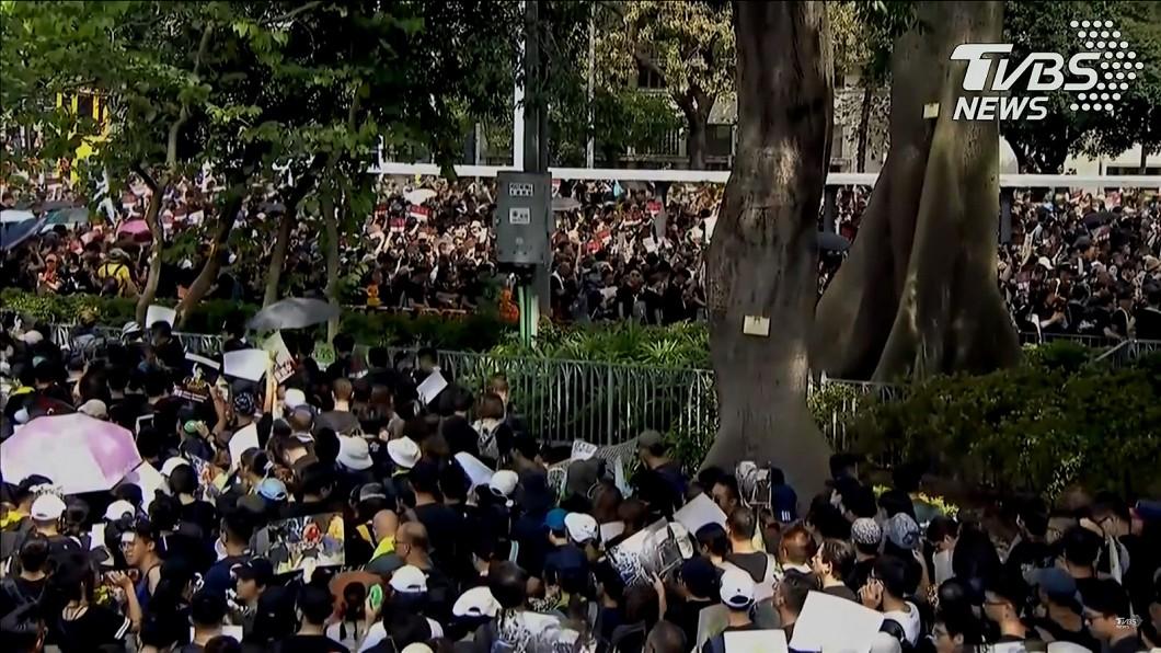 圖/截自TVB直播畫面