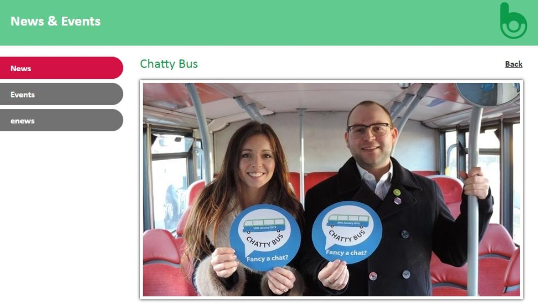 圖/翻攝Bus Users UK 官網 獨居長者缺乏社交 英國推「聊天巴士」遣寂寥