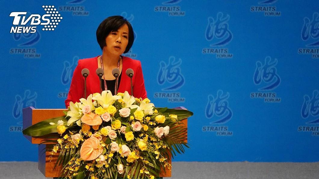 名嘴黃智賢公開主張一國兩制,遭到許多民眾批評,她反嗆:中華民國就是中國啊!(圖/TVBS) 就是要統一!鼓吹一國兩制 黃智賢:世上有台灣共和國嗎