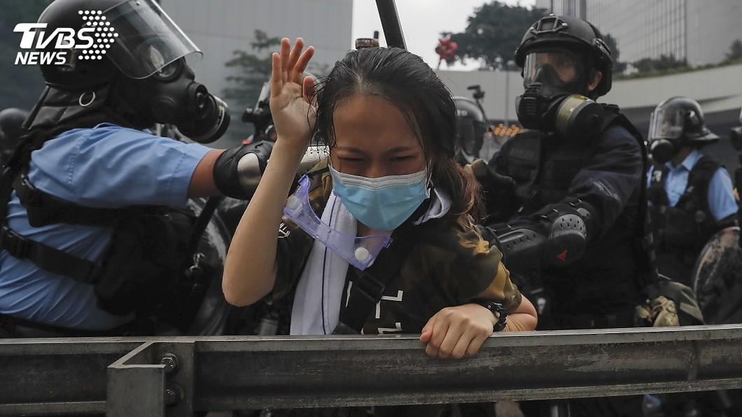 圖/達志影像美聯社 警鎮暴催淚彈布袋彈 使用不當有致命危險