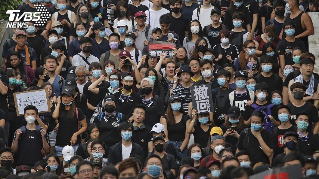 圖/達志影像美聯社 兩百萬黑衣人傾巢而出 逼港府撤回逃犯條例