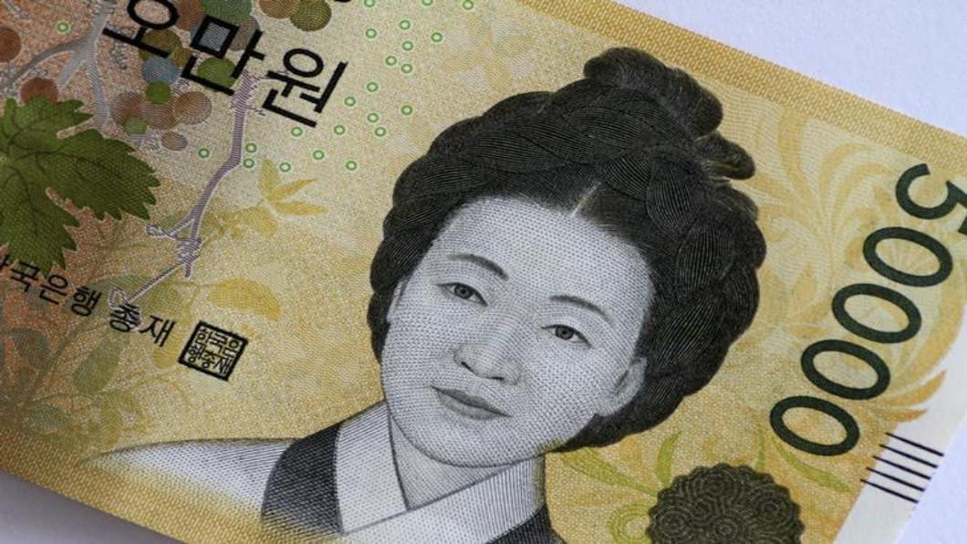 圖/達志影像路透 涉賄賂.洗錢最多的鈔票 5萬韓元鈔數量銳減