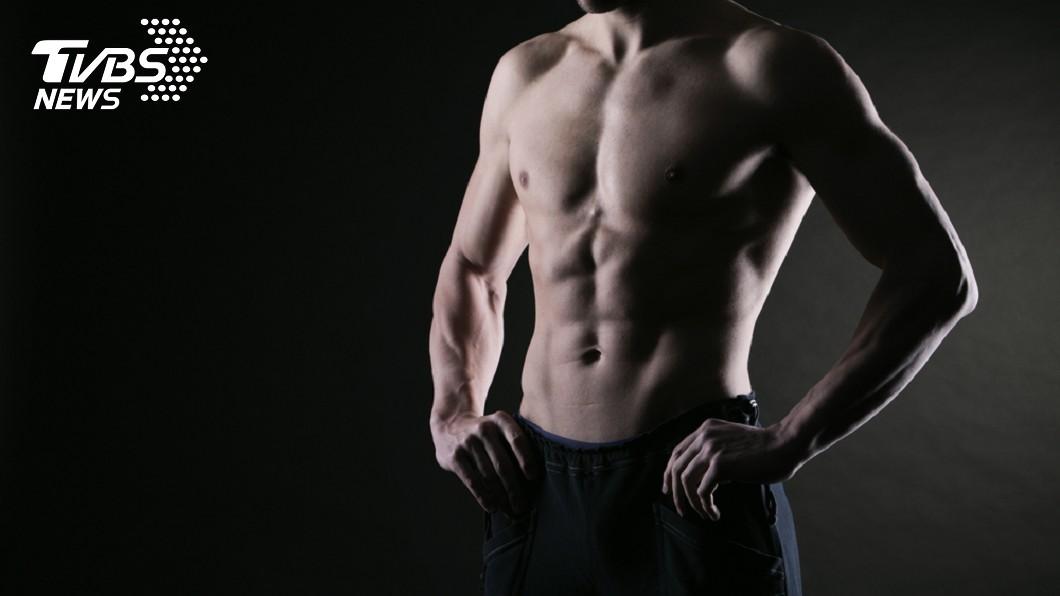 美國健身公司發現,微胖的男性反而更受歡迎。示意圖/TVBS 肉肉的更自然!美國女性偏愛「老爸身材」 5大原因曝光
