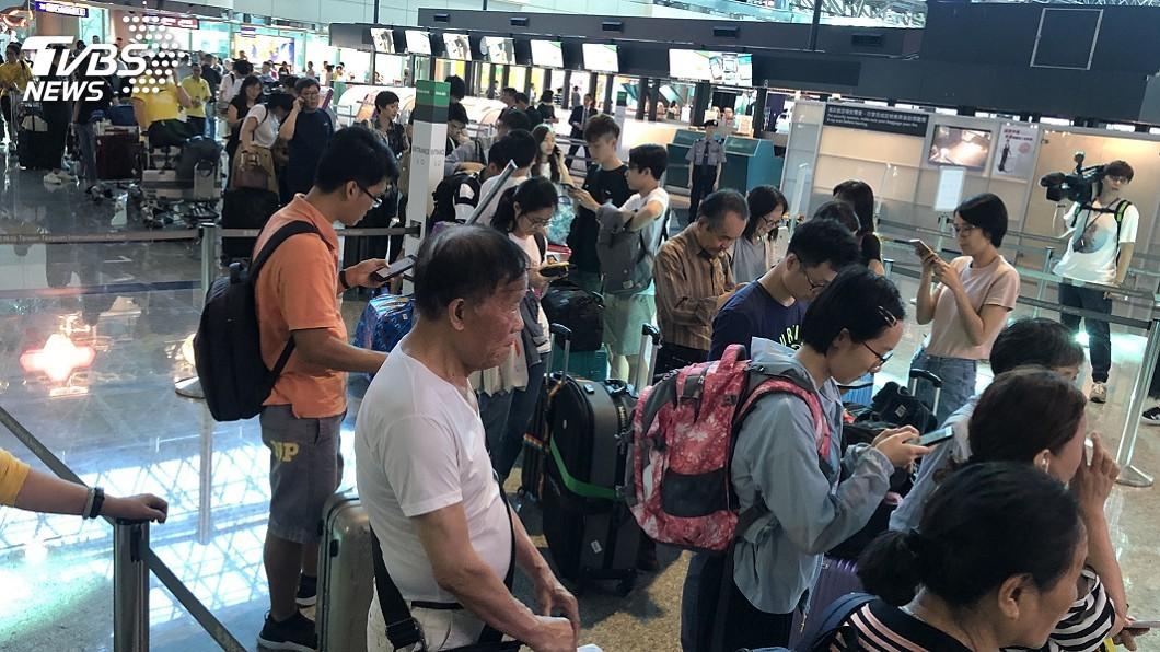 圖/中央社 長榮空服員罷工 王國材:交部會做好疏運工作