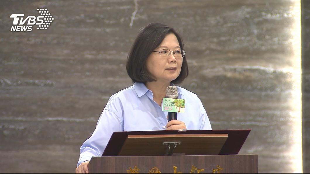圖/TVBS 被問怕不怕郭、韓? 蔡總統:他們比較怕我吧