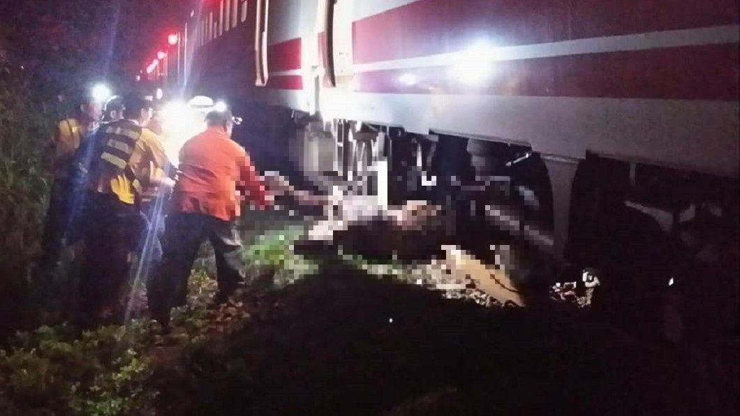 昨夜台鐵傳出撞上牛隻的意外。圖/翻攝自臉書fun臺鐵 台鐵暗夜不平靜!1晚撞1路人+4頭牛 影響1500人