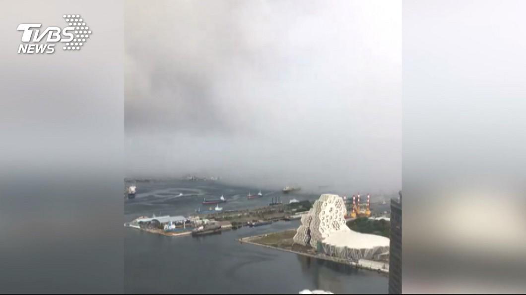 圖/TVBS 鋒面影響雨瀑飄移 降雨區壟罩19縣市