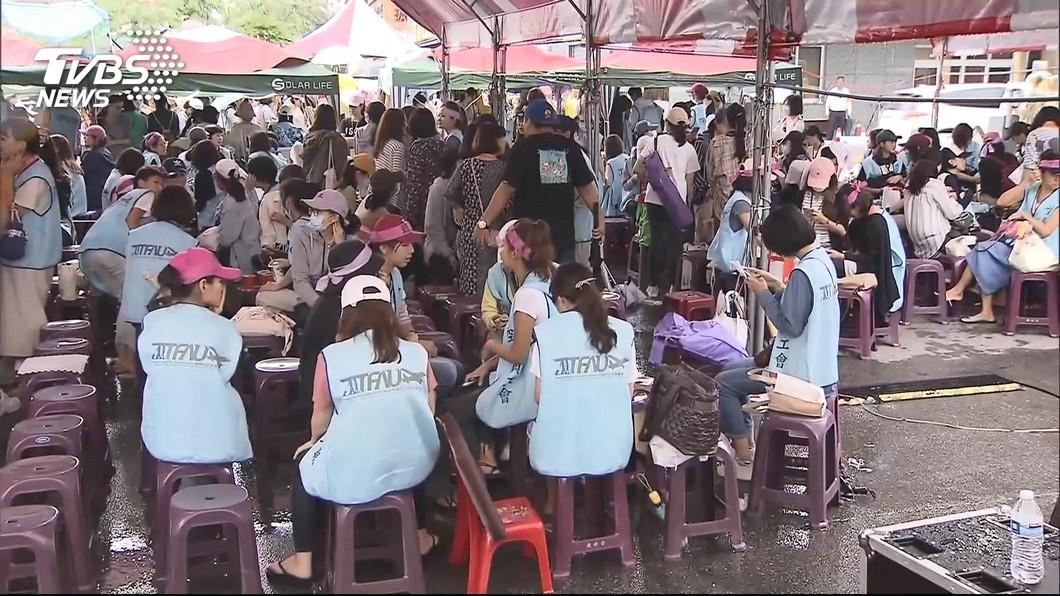 圖/TVBS 長榮罷工空服員台北晚會喊卡 工會:因投票順延