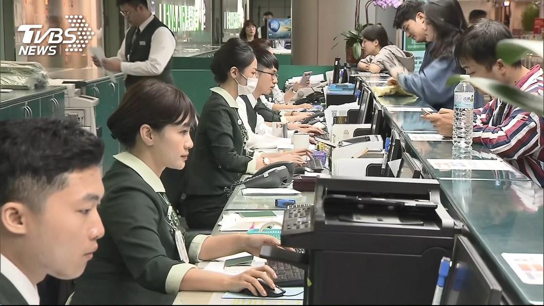 圖/TVBS資料畫面 長榮航企業工會爭地勤獎勵 勞資8/8再調解