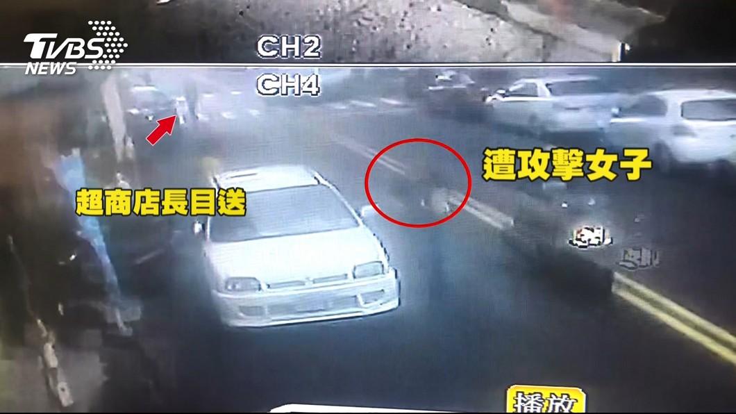 圖/TVBS 「躲超商櫃台」壯男肘擊女客 企圖2次攻擊