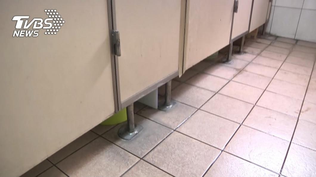 (示意圖。圖/TVBS資料畫面) 女廁有偷拍狼!師大附中遭控隱匿 校方:已啟動調查