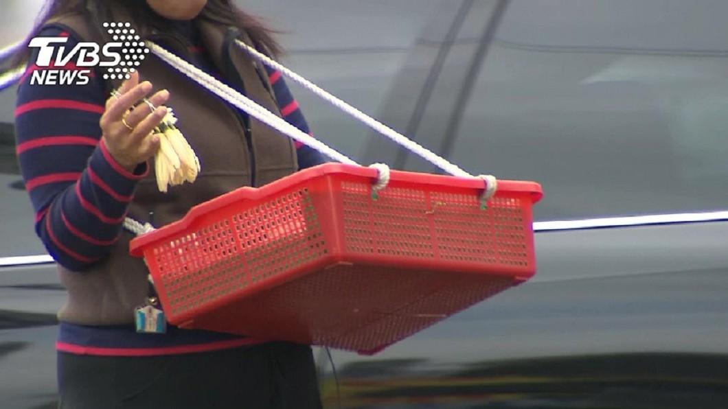 示意圖,與本文無關。圖/TVBS 好心買玉蘭花…她慘落阿姨套路 網怒:真的很不舒服