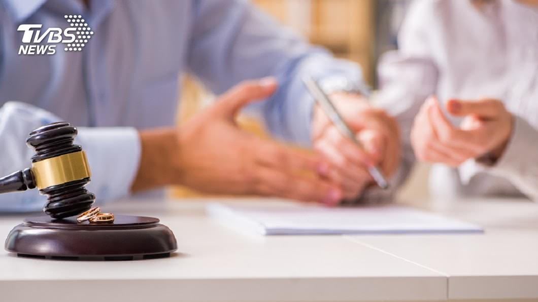 離婚率攀升,新型職業「離婚見證人」應運而生。示意圖/TVBS