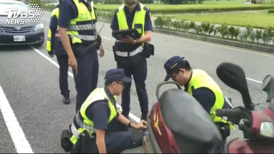 圖/TVBS 掉漆!退休警掛註銷車牌 控學弟誤植法條