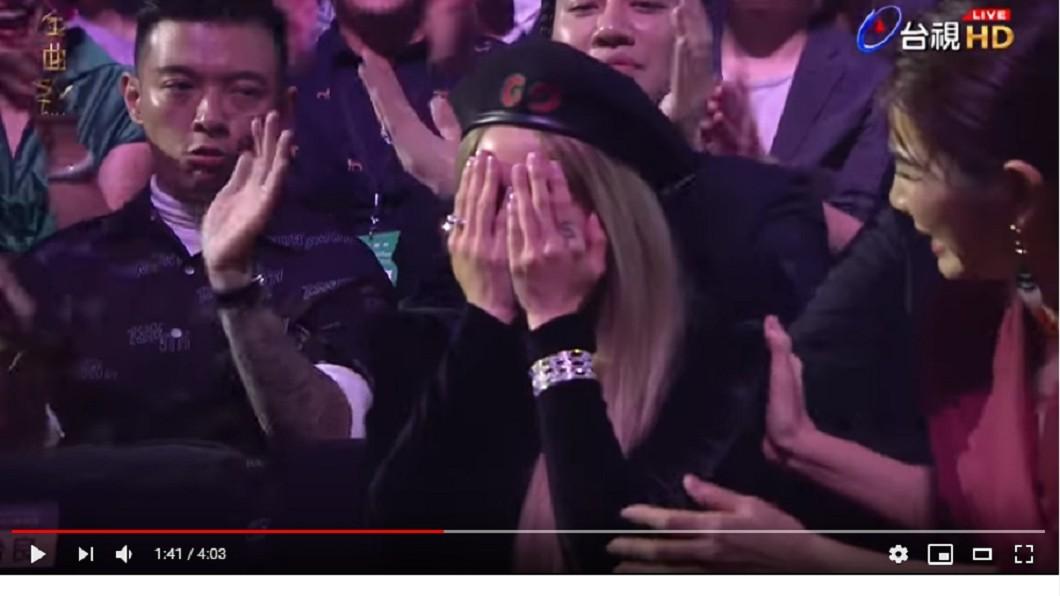 蔡依林聽到頒獎人瑪莎唸出自己名字,相當激動。圖/翻攝2019 GMA 金曲獎頒獎典禮暨國際音樂節YouTube