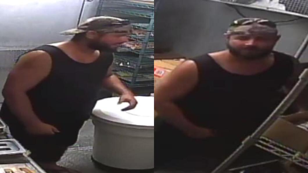 班森潛入店內後,先在煎台旁邊「搜尋食材」。圖/FB @Martin County Sheriff 奇葩竊賊潛入店內偷竊… 先煎個漢堡吃吃