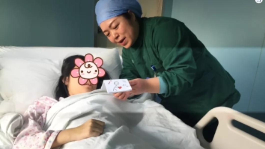 少女經過治療後逐漸恢復健康。圖/微博