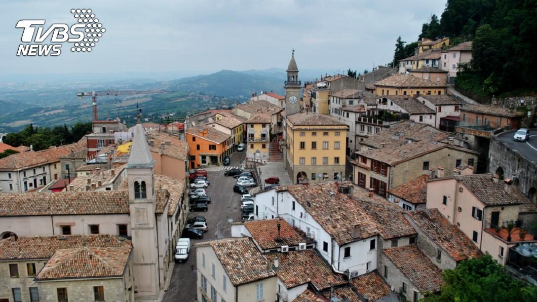 聖馬利諾為世界唯一無紅綠燈國家。圖/TVBS 這國家沒有紅綠燈! 車比人多卻很少車禍