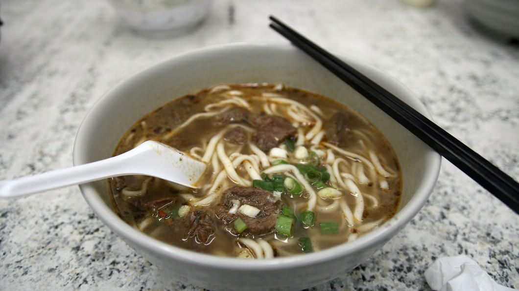 示意圖。圖/TVBS 台灣人很可憐?純牛骨熬湯不受歡迎 調味料加一加卻大賣
