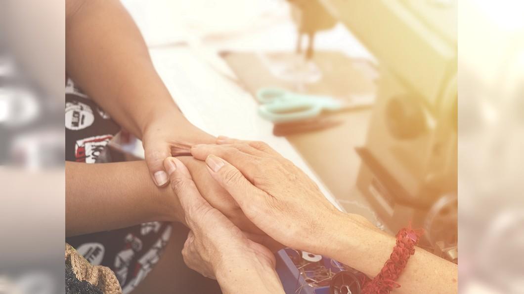 西園國小家長會發起募捐活動,希望協助黃家度過難關。 圖/示意圖