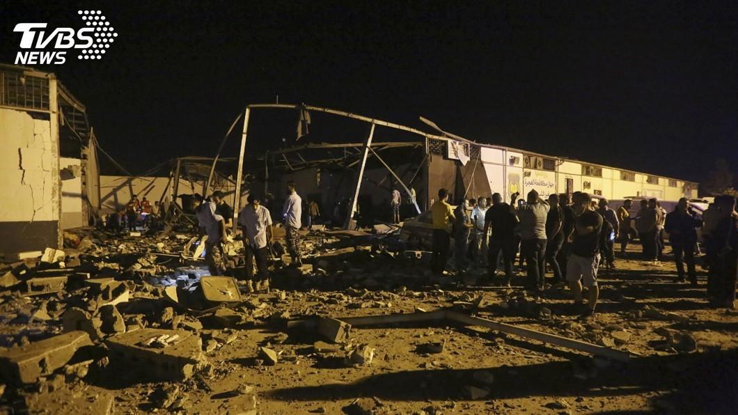 圖/達志影像美聯社 的黎波里移民拘留中心遭空襲 至少40死80傷