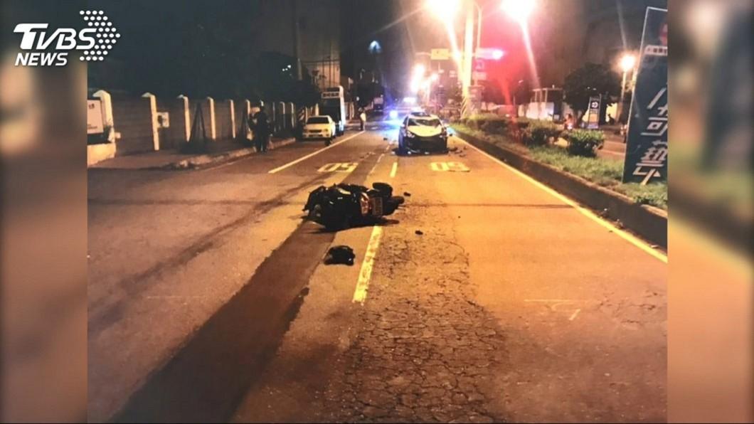 桃園觀音區上月1日發生一場死亡車禍,釀成1死1傷。 圖/TVBS 酒駕釀母死父昏迷 國小發起募款助年幼三姊弟