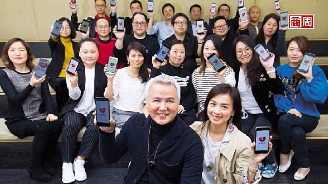 上海達爾威貿易總裁林瑞陽(前排左)。圖/商業週刊 林瑞陽和他的820萬「媽媽粉」 5年養出一隻獨角獸
