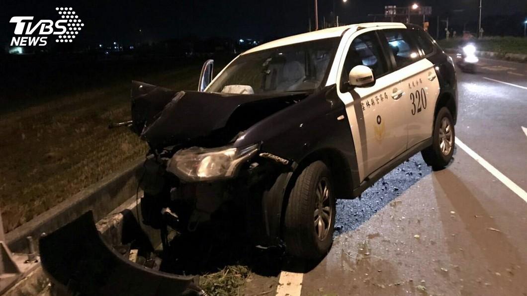 圖/中央社 員警攔檢可疑車輛遭衝撞 1重傷1輕傷
