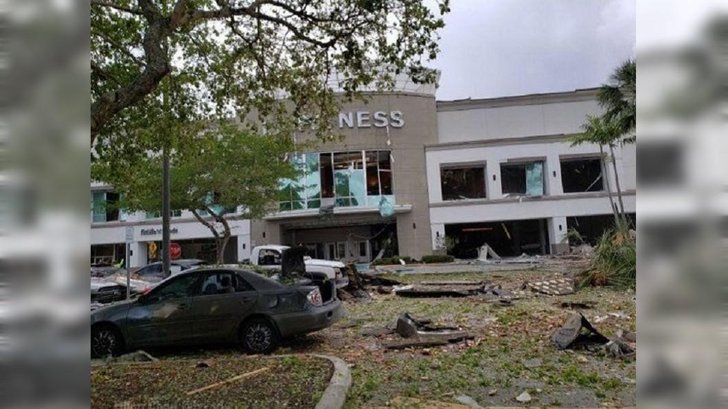 氣爆現場一片殘骸。圖/翻攝Lilian Chan Twitter