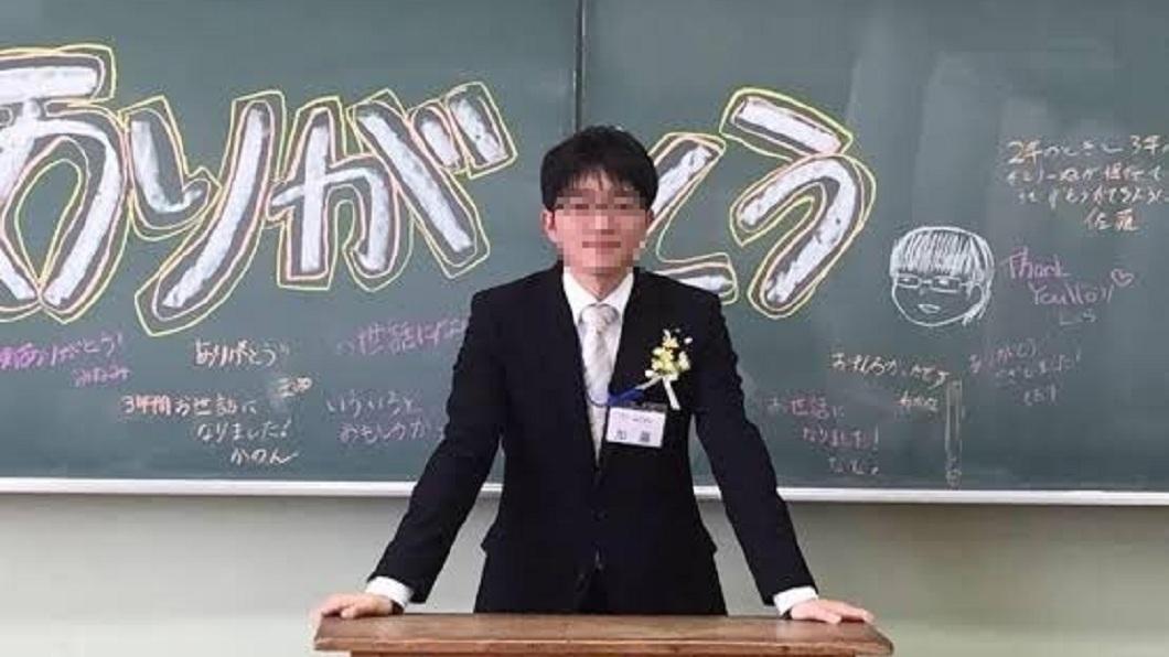 日本一名高中數學老師,晚上疑似兼差當AV男優。(圖/翻攝自PTT) 他白天是高中數學老師 晚上化身AV男優交手大咖女優