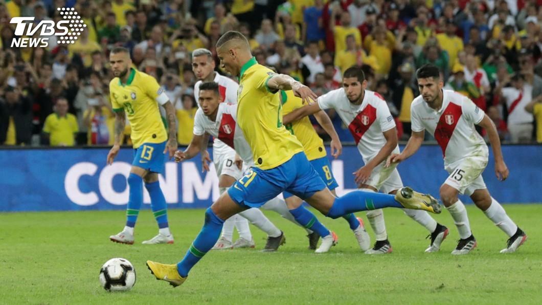 圖/達志影像路透社 10人巴西踢走秘魯 睽違12年再贏美洲盃